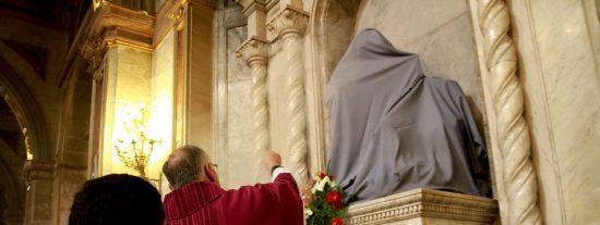 """Ezzati: """"Han vomitado su odio contra Dios"""""""