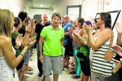 Camps hace oídos sordos a las más de 2.000 personas que piden 'indultar' a los profesores