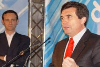 A Jaume Matas le arropa en Mallorca la vieja guardia del PP y Bauzá 'se tira de los pelos'