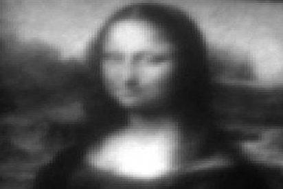Reducen la misteriosa Mona Lisa al tamaño de la tercera parte de un pelo