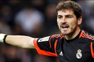 Hinchas del Real Madrid piden en Internet a Casillas que se marche: #Casillasveteya