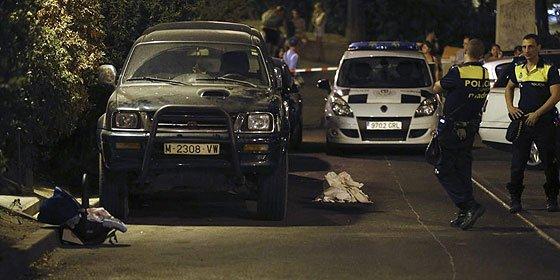 Muere un bebé atropellado en la calle tras deslizarse del carrito