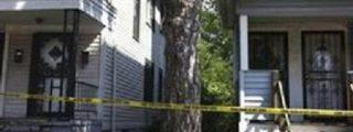 Mira como derriban la casa del 'monstruo' de Cleveland ante una de sus víctimas