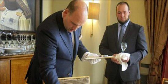 Si quiere ganar 180.000 € anuales...¡apúntese a un curso de mayordomos de alto copete!