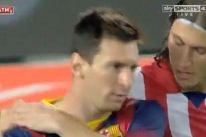 El cabreo de Leo Messi y sus feos gestos con Filipe Luis y con el árbitro de la Supercopa