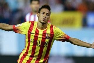 Neymar ya hace de Messi y salva al Barça que quedó aturdido tras el golazo de Villa