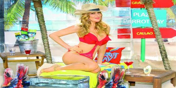 Ana Obregón no puede resistirse a sus esperados posados... en trikini