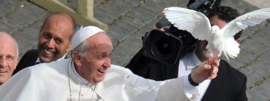 El Papa Francisco 'bendice' las nuevas normas para prevenir el blanqueo de dinero