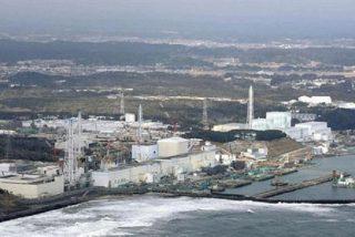 Intentan 'taponar' la peligrosa fuga radioactiva de la central de Fukushima a contrarreloj