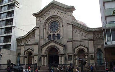 Asaltan una iglesia de Montevideo tras confesarse
