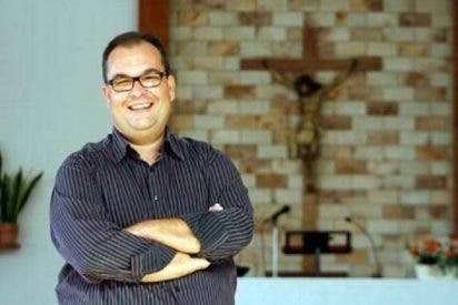 Los 'ataques cristianos' fuerzan al diácono a renunciar al cargo de delegado de Educación