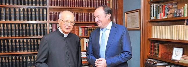 El cardenal Martínez Somalo elogia la claridad de pensamiento del Papa