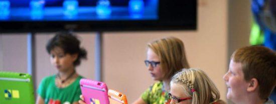 Las escuelas holandesas sustituyen los libros por los iPads y crean recreos virtuales