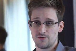 El 'topo' Snowden deja el aeropuerto de Moscú y se asila en Rusia