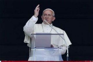 """Francisco: """"El Evangelio no autoriza al uso de la fuerza para difundir la fe"""""""