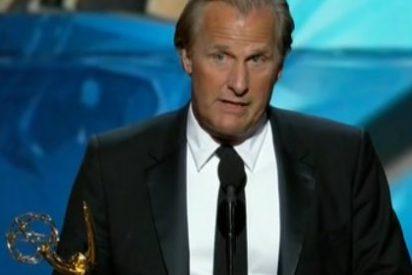 Aburrimiento absoluto, sorpresas, injusticias, chistes pésimos y malas caras en la gala de los premios Emmy 2013
