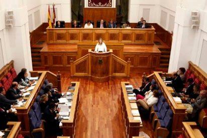 Las Cortes regionales apoyan la propuesta de eliminar la Sindicatura de Cuentas