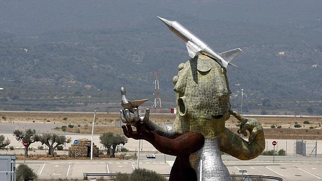 Del aeropuerto de Castellón no salen aviones...pero 'volaron' 7,5 millones en 2012