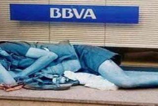 """Unos menores dan una paliza a dos mendigos que dormían en calle Blanquerna """"porque sí"""""""