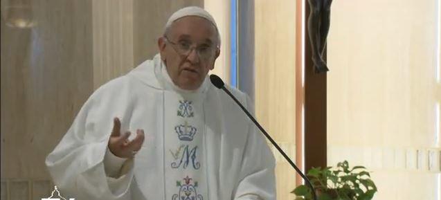 """Papa: """"Pedir la gracia de no huir de la cruz"""""""