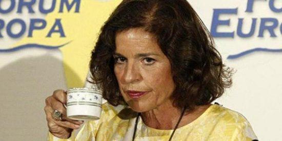 Ana Botella tira de ironía para quitarse la 'mancha' del café con leche