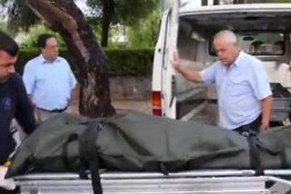 [Vídeo] Cae al vacío en Magaluf y su amigo arrastra el cadáver hasta un pasillo