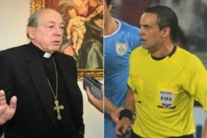 """Cipriani llama """"sinvergüenza"""" al árbitro del Uruguay-Perú"""