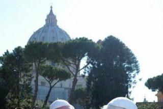 Ratzinger podría asistir a la canonización de Wojtyla y Roncalli