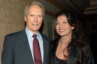 Al incombustible Clint Eastwood le va el intercambio de parejas a pesar de los años