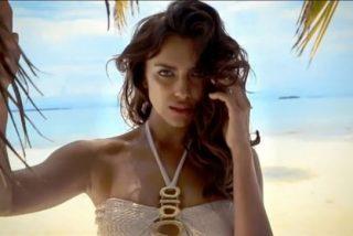 Irina Shayk luce tipazo en plan sirena con sus diminutos trajes de baño en la playa