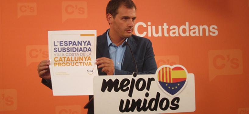 """Albert Rivera carga contra la Generalitat: """"Que dejen de meter la mano en la caja para gastárselo en separar"""""""