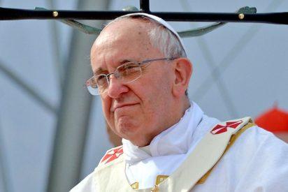 """La Santa Sede niega """"categóricamente"""" que el Papa hablara con Al Assad"""