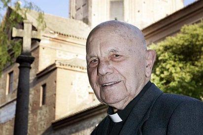 Don Julio, el cura centenario que sigue en activo
