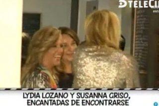 """Pillan a una """"arrastrada"""" Lydia Lozano charlando con Susanna Griso y en Sálvame se ponen de los nervios: ¿seguirá el camino de Nacho Abad y fichará por Espejo Público?"""