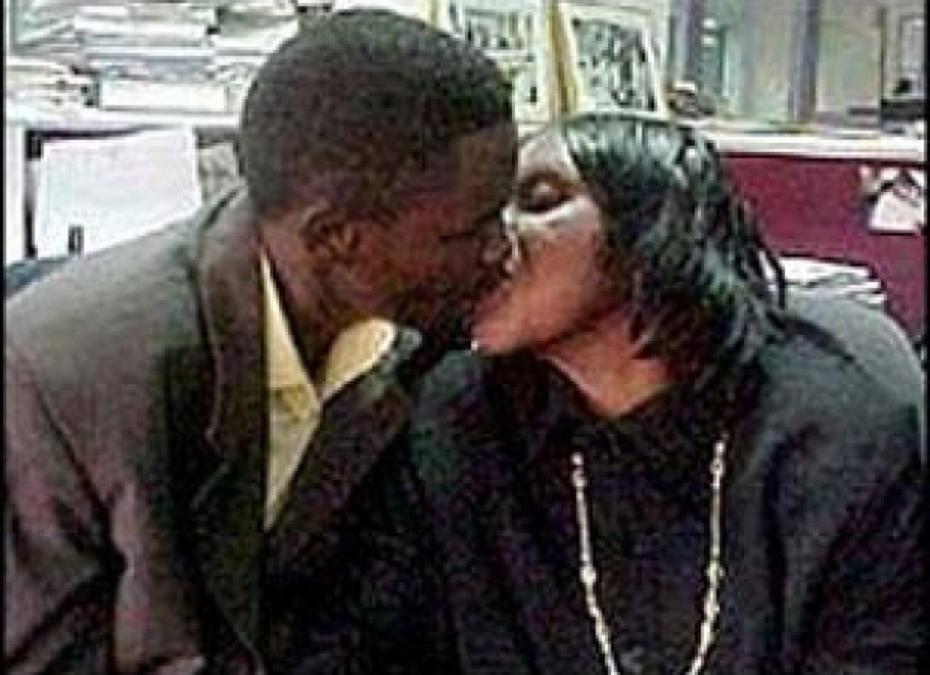 Una viuda se queda embarazada de su hijo y quiere casarse con él a toda costa