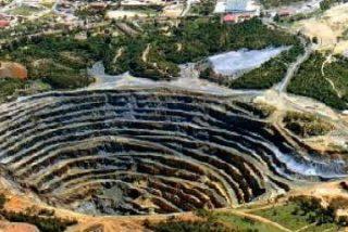 """El Vaticano pide a las empresas mineras que """"respeten a las personas y al medioambiente"""""""