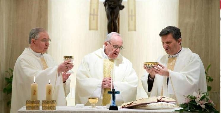 """Papa: """"El sacramento no es un rito mágico"""""""