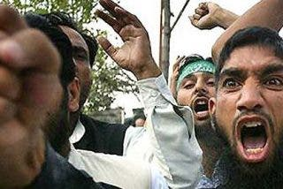 La 'islamista' Arabia Saudí insta a bombardear Siria mientras el 'laico' Egipto se opone