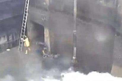 [Vídeo] La 'ola asesina' que mata a dos trabajadores en un canal italiano
