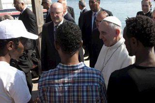"""Francisco exige que no se levanten"""" barreras infranqueables"""" a la migración"""