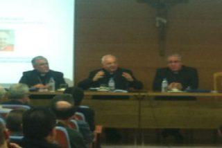 """Cardenal Piacenza: """"El celibato no es el precio que hay que pagar para ser funcionario de una ONG condenada a desaparecer"""""""