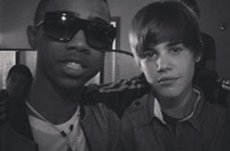 Justin Bieber le deja su casa a dos raperos de cuidado y le birlan sus joyas más valiosas