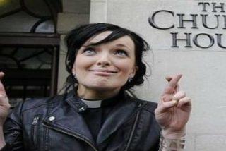 La Iglesia de Gales aprueba la ordenación de mujeres obispas