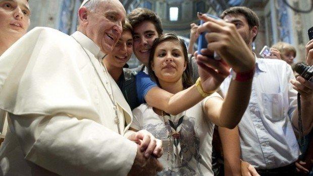 La Santa Sede desmiente que el Papa llamara a un joven homosexual