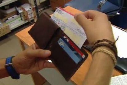 Un californiano 'pierde' un cheque de dos millones de dólares en el Metro de Madrid