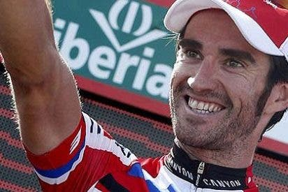 Dani Moreno gana a lo grande en Valdepeñas y se pone líder de la Vuelta