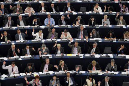[Vídeo] ¿Le apetece ver cómo los eurodiputados se pegan la vida padre a nuestra costa?
