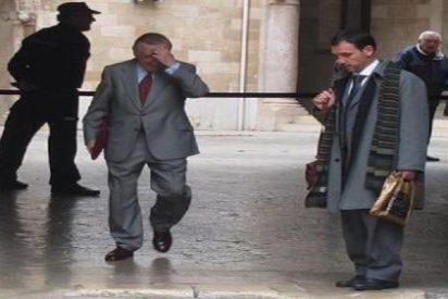 La Audiencia suspende el ingreso en prisión del veterano periodista Antonio Alemany en tanto se tramita el indulto
