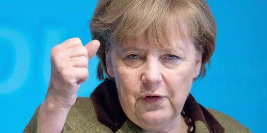 Merkel llama enfadada a Obama para saber si se le ha 'ocurrido' pinchar su móvil