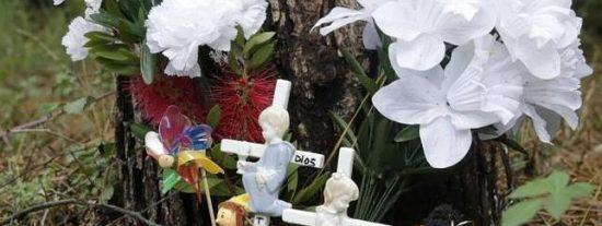 Trece rosas blancas por los 13 años que no ha podido celebrar la asesinada Asunta